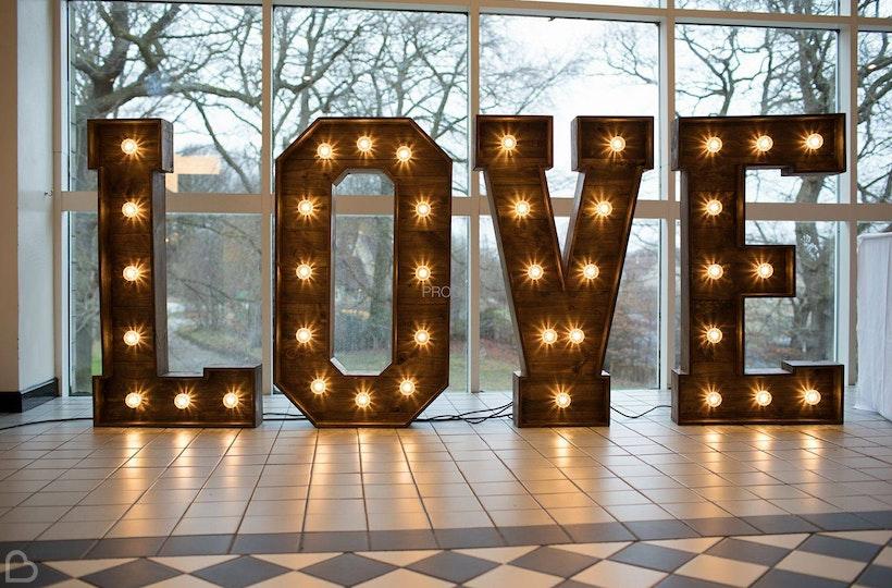 Yorkshire rose wedding hire wedding decoration and hire bridebook yorkshire rose wedding hire junglespirit Gallery