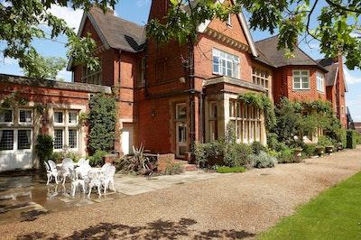 499 Wedding Venues Near Wokingham